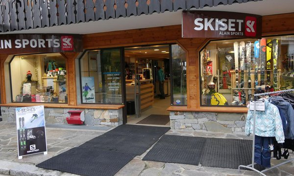 Skiset Les Carroz by Rossignol
