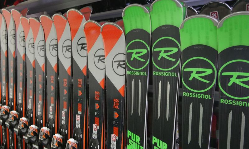 Skiset Les Carroz by Rossignol 3
