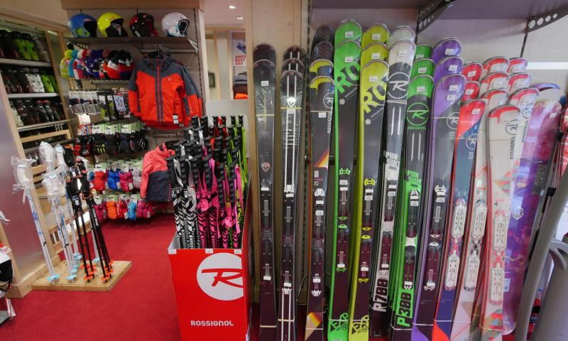 Skiset Les Carroz by Rossignol 4