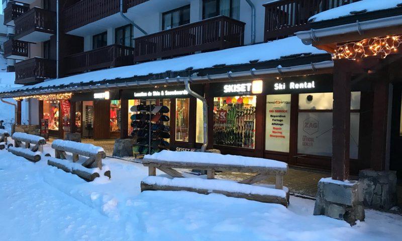 Deep Snow Val Claret 1